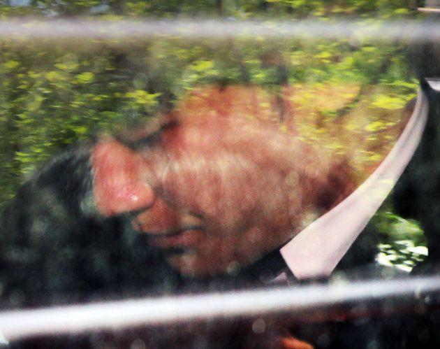 5월 14일 오후 서울 서초구 서울중앙지방법원에서 열린 구속 전 피의자심문(영장심사)을 마치고 호송차에 탑승하고 있는
