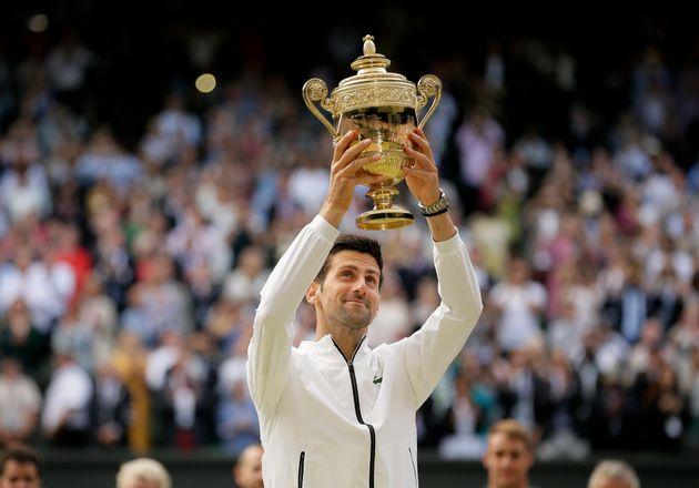 Finale de Wimbledon: Djokovic l'emporte sur Federer après un match