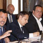 Armando Siri di nuovo al fianco di Salvini diventa un caso. Conte