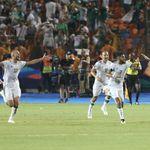 Vidéo: Les joueurs célèbrent la qualification en finale aux vestiaires et chantent à la gloire de