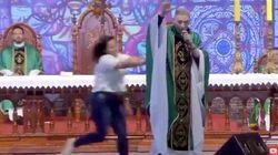 'Fui salvo, foi um milagre', diz padre Marcelo Rossi após ser empurrado de
