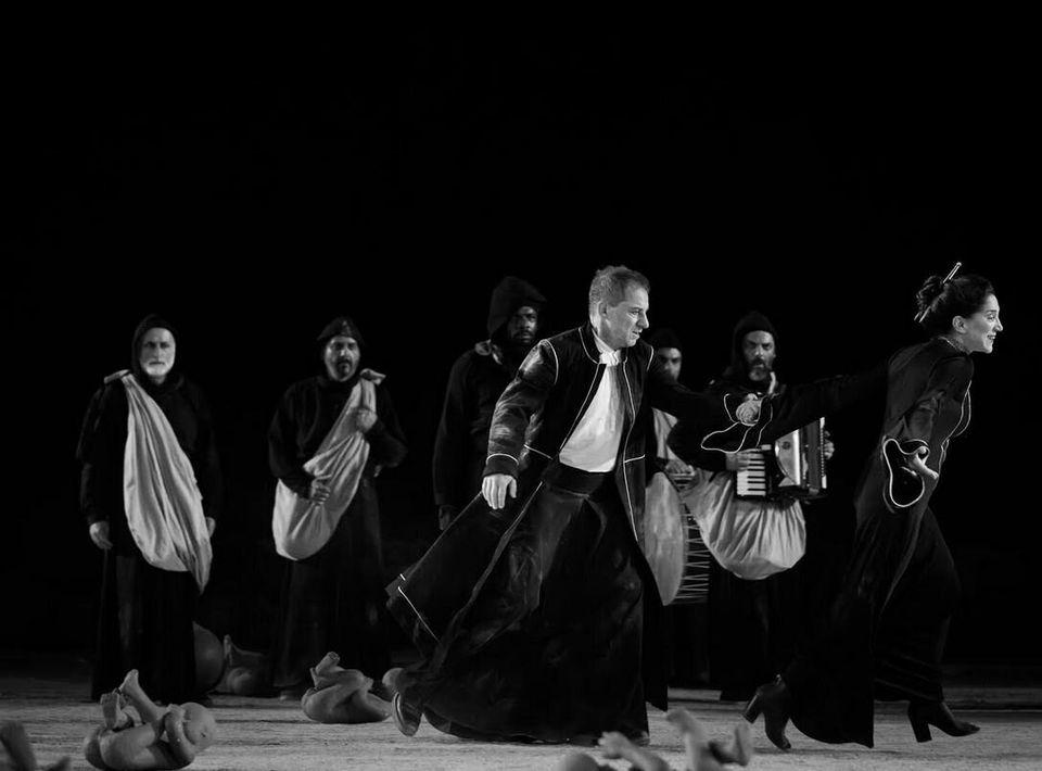 «Οιδίπους Τύραννος»: Περισσότεροι από 18.500 θεατές στην Επίδαυρο - Η ανάρτηση του Κωνσταντίνου