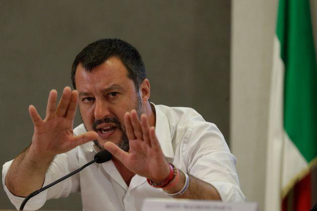 Salvini non molla Savoini e D'Amico sul Russiagate e provoca M5s su Siri e