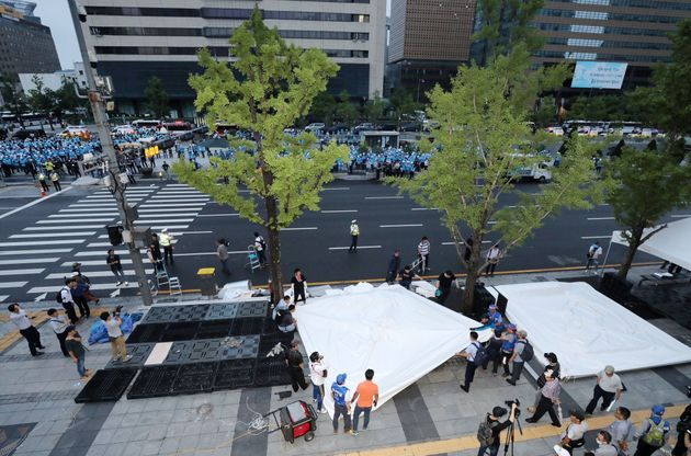 우리공화당이 강제철거 당일에 광화문 천막을 자진 철거했다