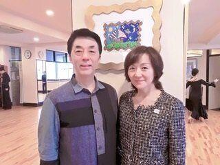 篠田美保さん(右)と夫の篠田龍佑さん