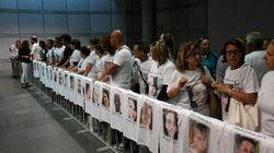 A Pescara la prima udienza per la tragedia di Rigopiano. Sulle magliette dei familiari i volti dei