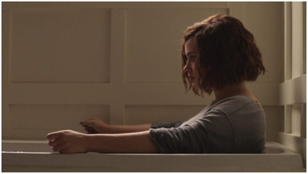 Δύο χρόνια μετά την αρχική προβολή της, το Netflix αφαιρεί τη σκηνή της αυτοκτονίας από το 13 Reasons