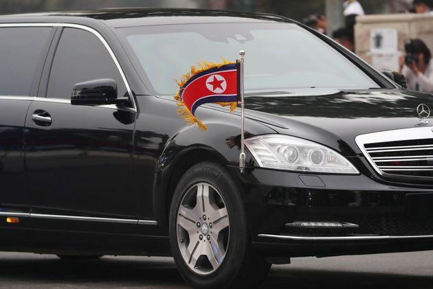 Ο ασύλληπτος τρόπος που αποκτά τα πολυτελή αυτοκίνητά του ο Κιμ Γιονγκ