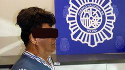 Il parrucchino è sospetto, la polizia lo ferma e trova mezzo chilo di cocaina incollato in
