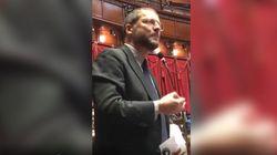 Il deputato del Pd parla in russo in Aula per protestare contro Salvini. E in aula scoppia la