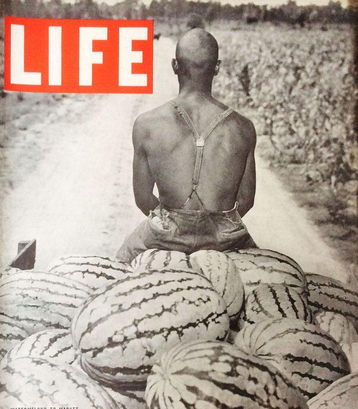 Cette couverture de Life Magazine de 1937 montre la photographie d'un producteur de pastèques noir.
