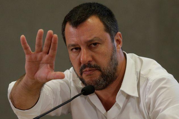 In Parlamento solo una capatina. La furbata di Salvini sui s