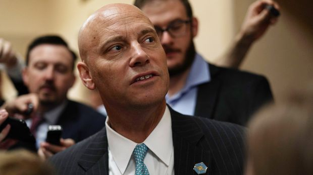 WASHINGTON, DC - JUNE 07:  White House Director of Legislative Affairs Marc Short speaks to members of the media as he leaves a Republican conference meeting June 7, 2018 on Capitol in Washington, DC. House GOPers gathered to discuss immigration.  (Photo by Alex Wong/Getty Images)