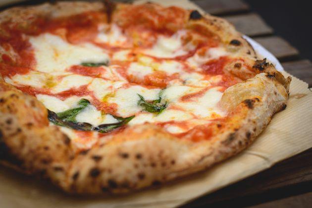 Pizza napolitana levamuçarela de