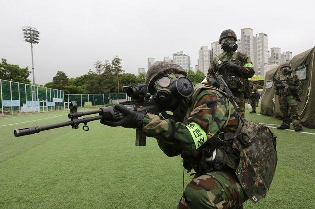 Η Βόρεια Κορέα προειδοποιεί εναντίον των κοινών στρατιωτικών γυμνασίων ΗΠΑ-Νότιας
