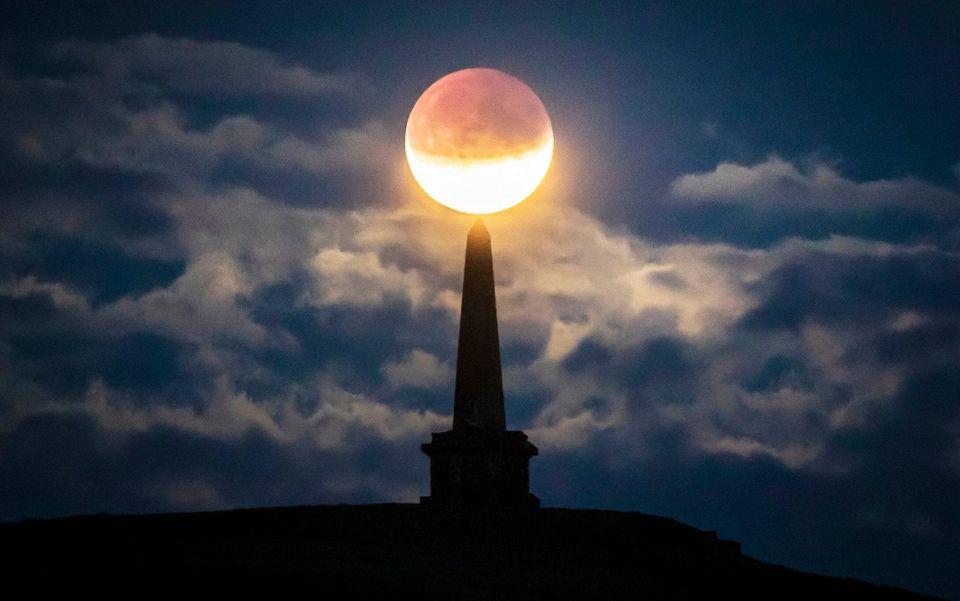 Las mejores fotos del eclipse parcial de Luna: así de espectacular se vio en el
