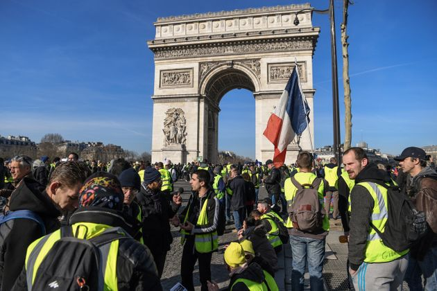 Manifestation des gilets jaunes sur les Champs-Élyséesn le 16 février