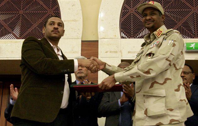 Soudan: signature d'un accord entre militaires et chefs de la