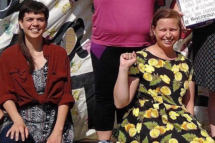 Sonia Palato et Charlotte Gilbert lors de la manifestation organis&eacute;e par la Riposte f&eacute;ministe contre la projection du film <i>Unplanned</i> aux cin&eacute;mas Guzzo, &agrave; Montr&eacute;al.