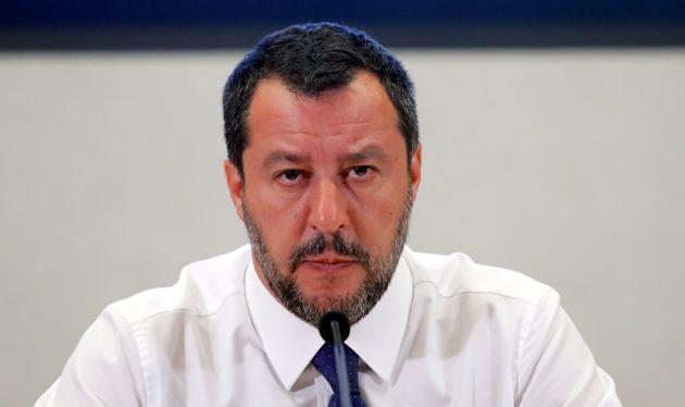 Salvini accerchiato. Pressing da Conte, M5S, Fico e Pd per p