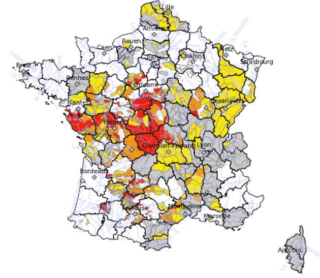 Canicule: La carte des départements touchés par les restrictions