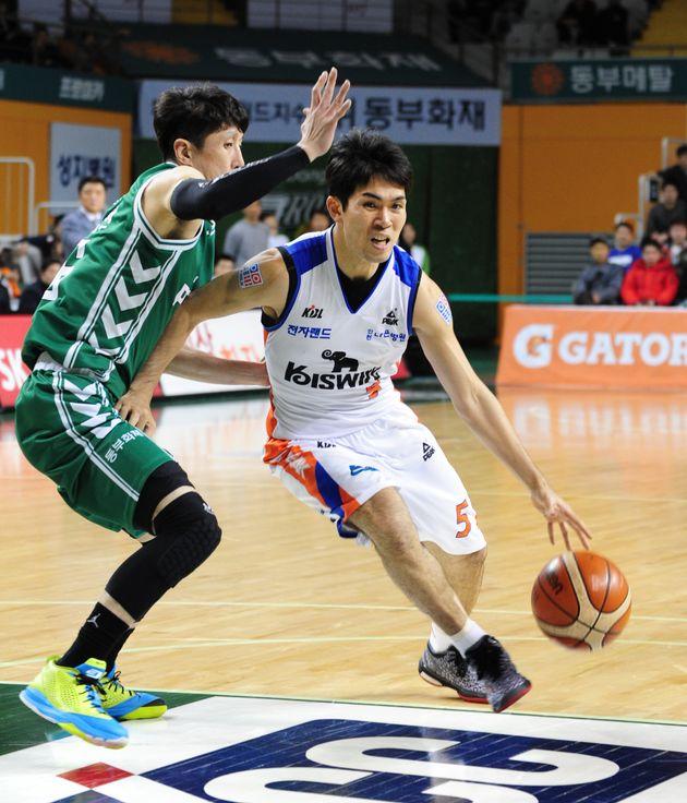 농구선수 정병국이 인천 도심 한복판서 음란행위를 하다가