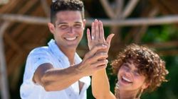 'Modern Family' Star Sarah Hyland Engaged To 'Bachelorette' Alum Wells