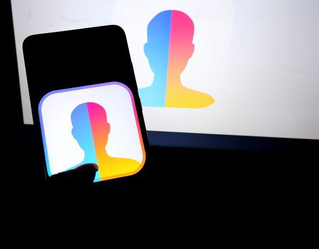FaceΑpp: Οσα δεν ξέρετε για την εφαρμογή που «κατέκτησε» τα κινητά
