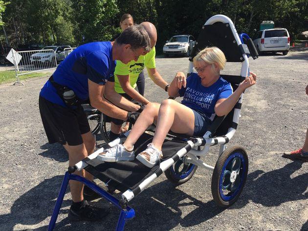 Des fauteuils roulants tout-terrains arrivent à