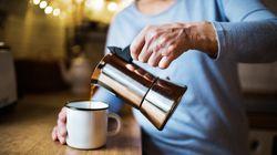 Excesso de café aumenta chance de pressão alta, diz estudo da