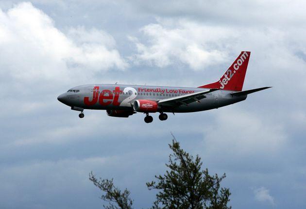 Λογαριασμός 94.580 ευρώ σε επιβάτιδα που προκάλεσε αναστάτωση σε πτήση από τη Βρετανία στην