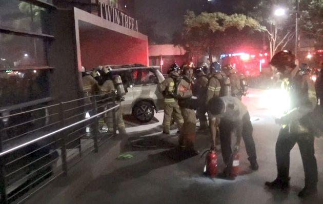 70대 남성이 일본 대사관에 돌진한 뒤 차에 불을