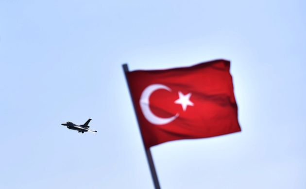 Αεροπορικές επιδρομές της Τουρκίας κατά Κούρδων στο