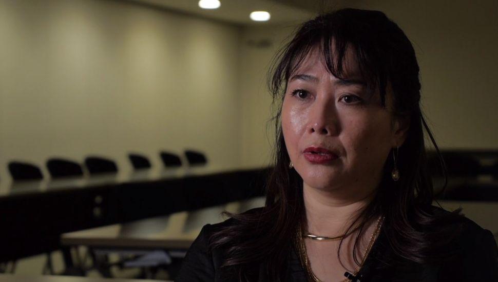 일본계 미국인 영화감독은 위안부 문제를 이해하기 위해 일본의 우익을