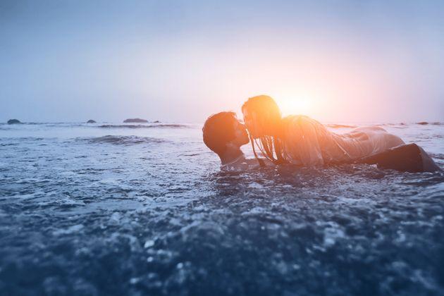 Pour faire l'amour sur la plage, suivez ce guide pratique