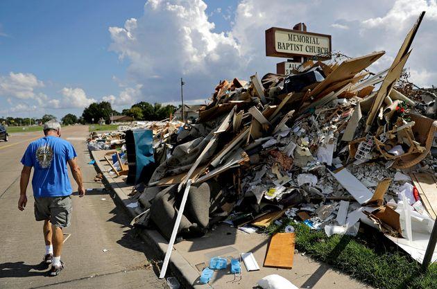 テキサス州ではハリケーン・ハービーで家屋の倒壊が相次ぎ、多くの死者が出た