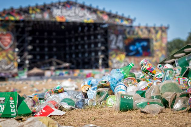 Εμείς και τα σκουπίδια μας - 2 δισ. τόνοι κάθε χρόνο που χωράνε σε 8222.000 πισίνες ολυμπιακών