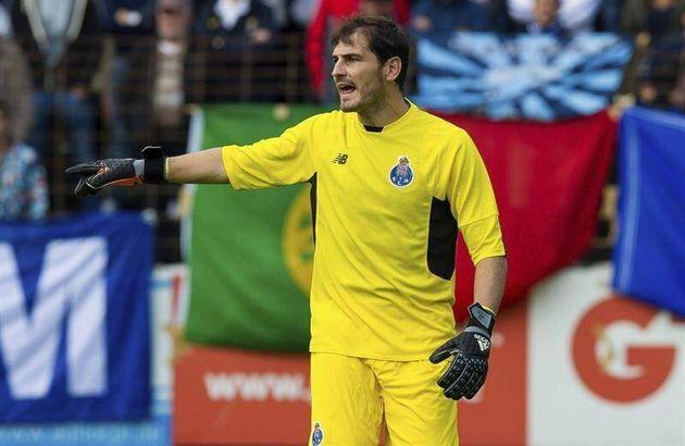 Cuatro años de cárcel por estafa para el agente del fichaje de Casillas por el