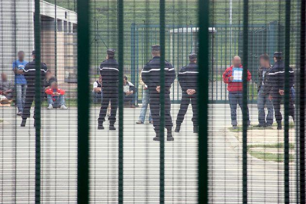 Le centre de rétention administrative du Mesnil-Amelot est le plus grand centre de