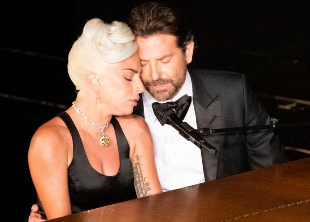"""""""Non hanno perso tempo. Lady Gaga ha trasferito da Brad"""