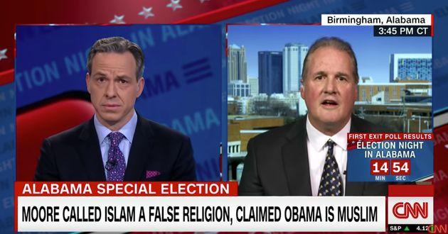 Millones de personas han visto ya a este periodista de la CNN dejar en ridículo a este