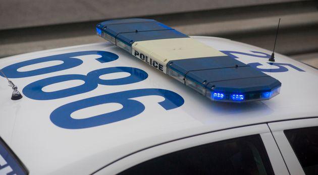 Συλλήψεις έξι ατόμων για επίθεση σε αστυνομικούς λίγο μετά το