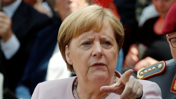 "German Chancellor Angela Merkel attends a ceremony to mark the 75th anniversary at the site where a group of officers led by Claus Schenk Graf von Stauffenberg was shot after their failed July 20, 1944 attempt on the life of Adolf Hitler, in the ""Bendlerblock"" building in Berlin, Germany, July 20, 2019. REUTERS/Fabrizio Bensch"