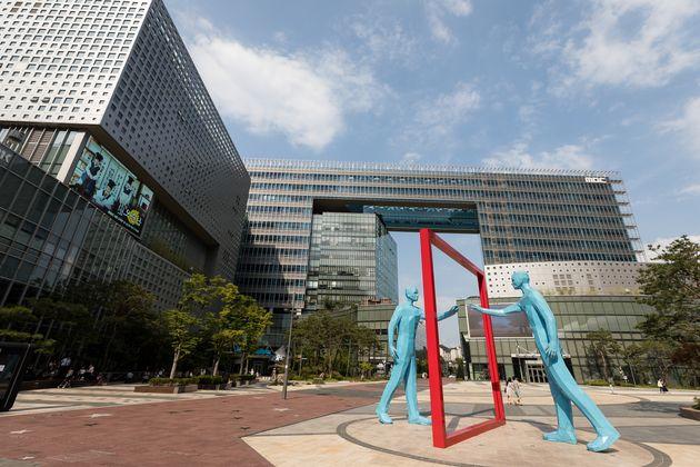 법원이 MBC 파업 때 채용된 아나운서 계약 해지를 '부당해고'라