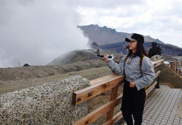熊本・阿蘇山を訪れる中国人観光客(2019年)