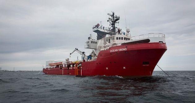 L'équipe de l'Aquarius retourne en mer sur Ocean Viking pour sauver des migrants au large de la