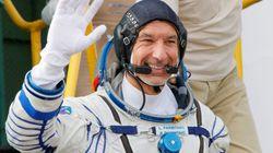 Luca Parmitano aggancia con la Soyuz la Stazione Spaziale: