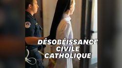 Des prêtres et religieuses pro-migrants arrêtés et menottés aux