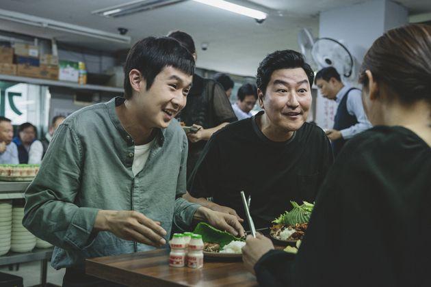 봉준호 감독의 '기생충'이 관객 1천만명을