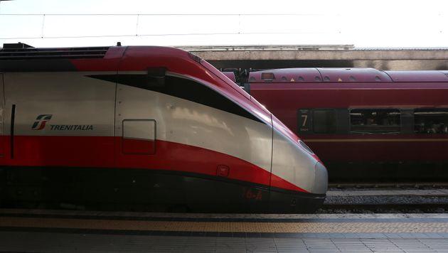 Firenze |  incendiata cabina elettrica dell' Alta velocità |  ritardi fino a 180 minuti